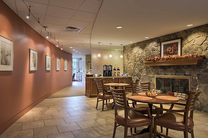 Brightview Country Club Heights Cafe - Massachusetts Senior Living