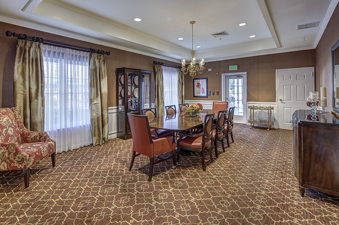 Brightview Mays Chapel Ridge Private Dining Room - Maryland Senior Living