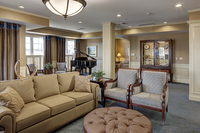Brightview South River Living Room - Maryland Senior Living