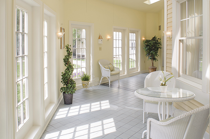 Brightview Woodbury Lake Hallway with Seating Area - New Jersey Senior Living