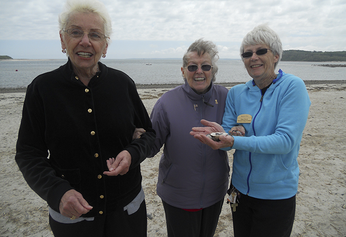 Brightview Wellspring Village Memory Care Residents spending the day at the shore